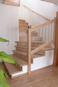 holzstufen eiche gel nder f r au en. Black Bedroom Furniture Sets. Home Design Ideas